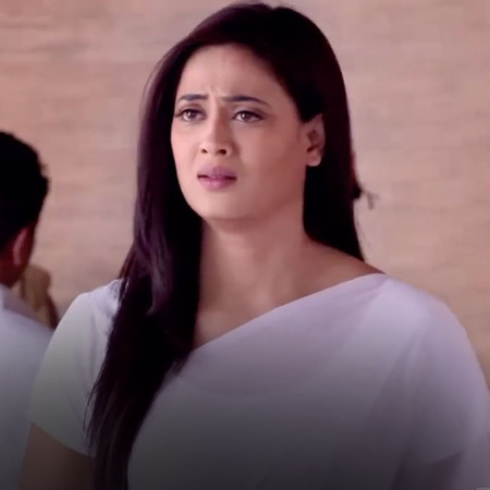 Ponam is in trouble, will she listen to Bady Amma and let Bendia down?