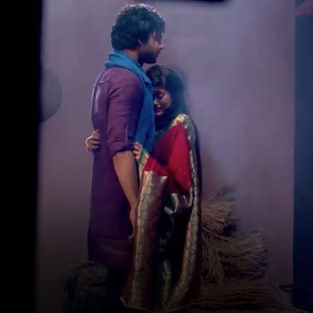 كومال تتعرف على عائلة ثاكور و مانوهار يشك في تصرفاتها، فما هو السر الذ