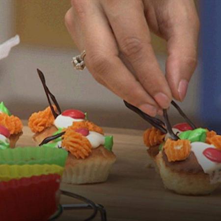 To celebrate Meher's birthday, Gurdip Punjj prepares cupcakes, noodles