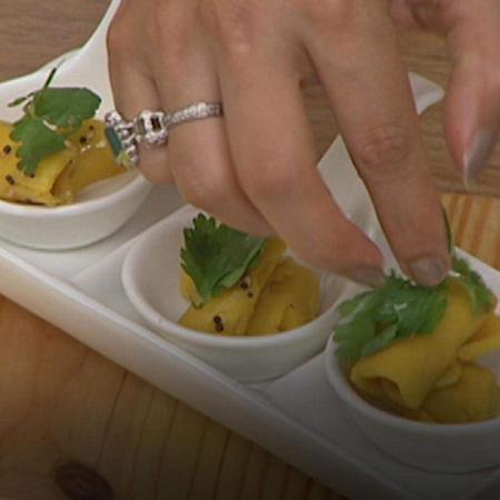 Watch Gurdip Punjj prepare the very delicious Kandafi recipe