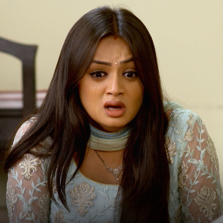Shaurya gets kidnapped from a dangerous gangster. The family punishes