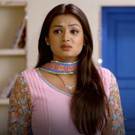 Mehak loses her mind after Ajay and his friends broke into the house