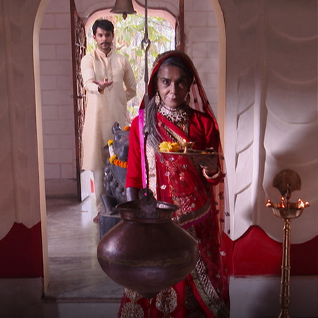 Queen Badi continues her evil plans and sets two traps for Lakhan and