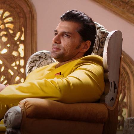 راني تنتقل للعيش في القصر مع راجا وعائلته. الملك يضع شرط لراجا لكي يسل