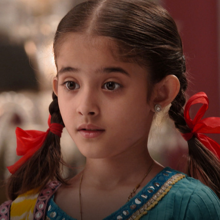 The Queen gives Rani a difficult challenge, and Rani thinks of new rev