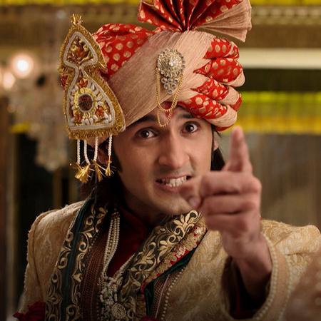 راجا يريد أخبار راني بالحقيقة ولكن في ذات الوقت هو خائف من ردة فعل ران