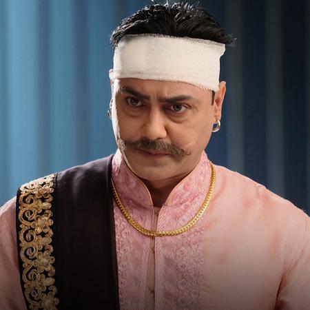 أقبال خان وثاقور يدمران العلاقة بين راجا وراني