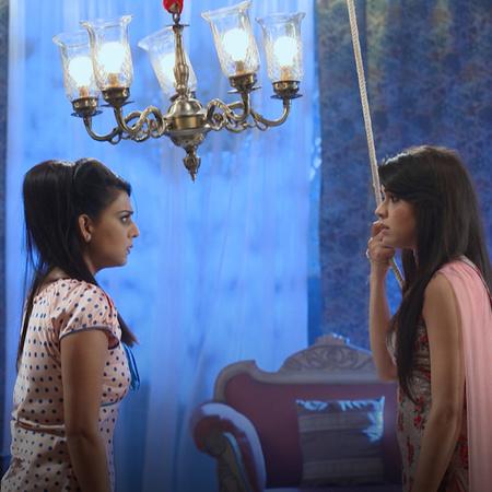 إصابة راجا بحروق خطيرة بعد فشل خطة بندو والملكة. راني تقترب من معرفة ا
