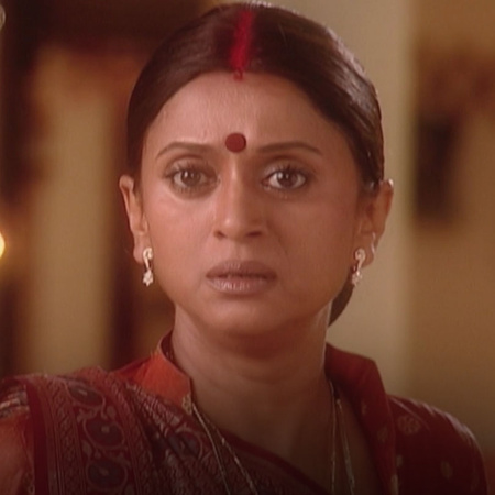 Mona is in huge trouble since Bharti has caught her lie. But will Bhar