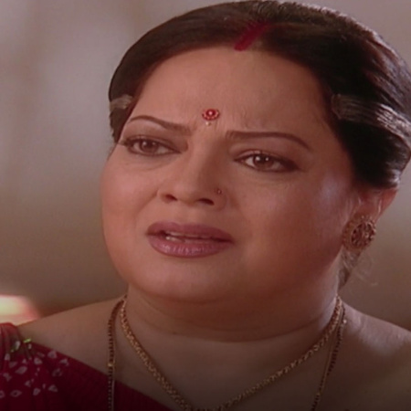 Bharti finds out Ankal plan to destroy Mona and Anokal's relationship.