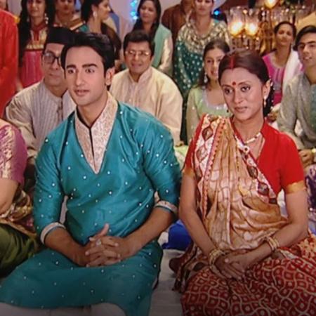 the wedding of Mona and Anokal starts.