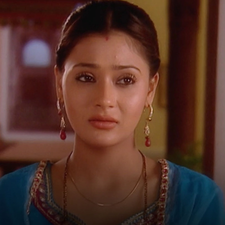Mona is trying to help Hital to get married to Karan. will her family