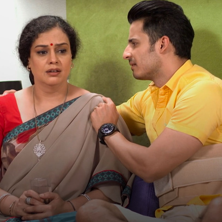 A big Proble happend between Abhi's and his mother