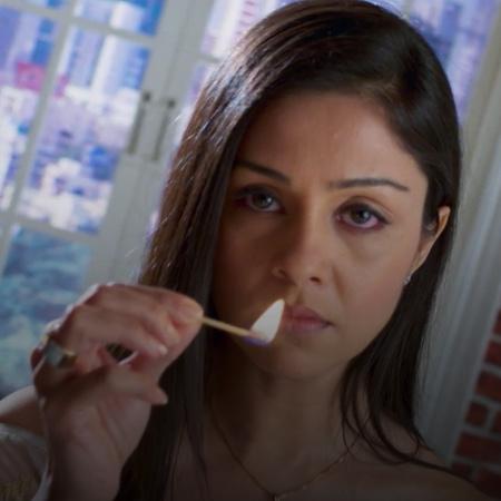 تشك نيشا بسمر بأنه مايزال يحمل مشاعر تجاه جانفي . تحاول جيا البحثث عن