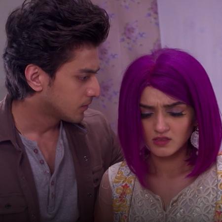 Akash leaves Nisha's house, and Benny feels lonely, so Nisha tries to