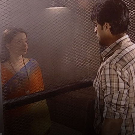 Bharat refuses to believe his father that Sindoora has wrong intention