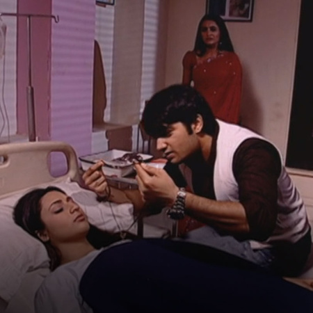 With Fidya's health getting better, Gauri's jealousy increases. Will s