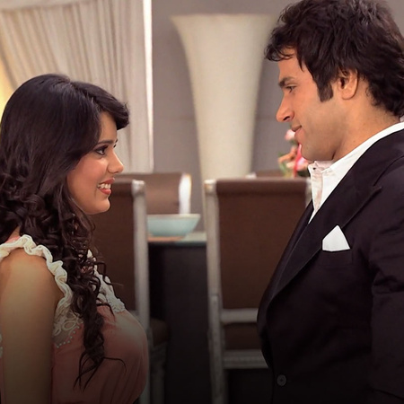 Everybody is preparing for Arjun's award ceremony. The relationship be