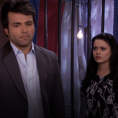 Onir finds out about Purvi and Arjun's past. Will Punni be successful
