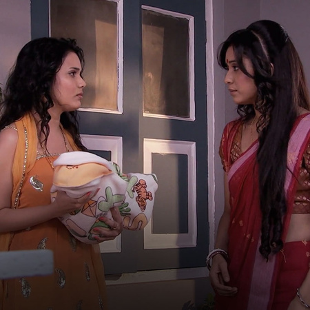 After Punni's advice, Ovi warns Purvi to seek permission before holdin