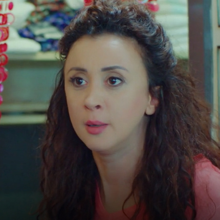Inder is trying to incite Khaled to Yildiz! She lies to everyone!