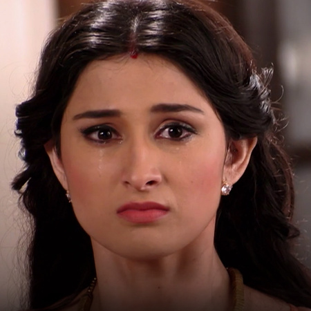 Does Pooja transfer the ownership of her company to Mr.Vias?