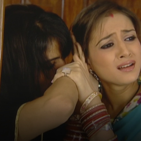 Simran was kidnapped from Raji's hand, who did that?
