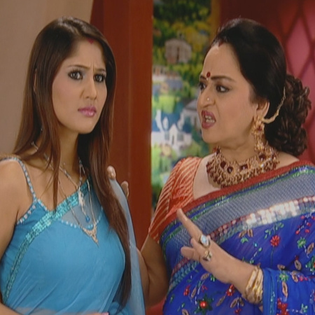 Shabed will not give up on gaining Mahy's trust and surprises her on h