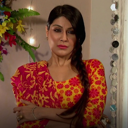 Siddhart cheated on Roshni with Shabnam when he was unconscious.