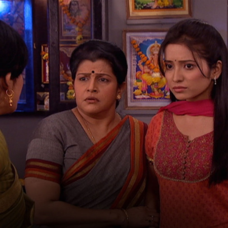 Purvi tries to protect Punni by disclosing the truth behind Mallik but