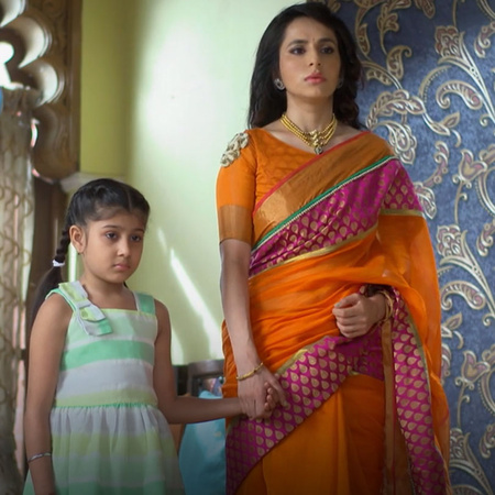 Karina asked her mother to stay with her dad sagar in front of all her