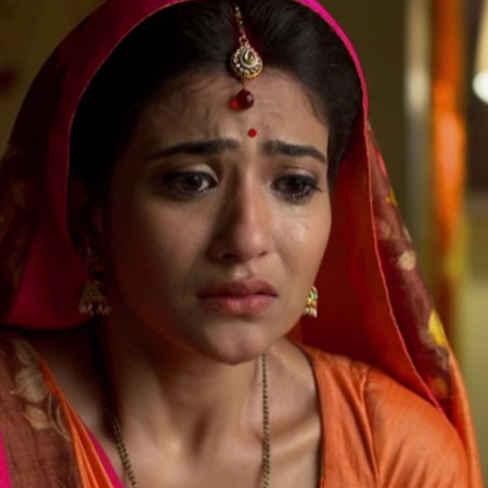 Aasha knows who killed her sister after long time, and everyone is cel