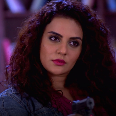 Will Satya prove the innocence of Mahi? And who is trying to kill her?