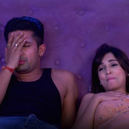 Mahi is mocking Satya and his crazy behavior