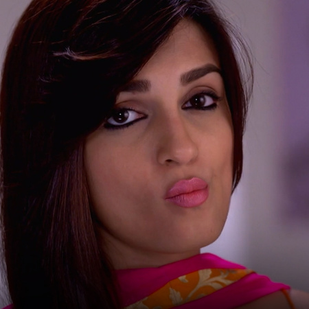 Payal denies the existence of her daughter Mahi!