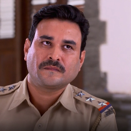 Mahi is in jail and accused of killing Alina!