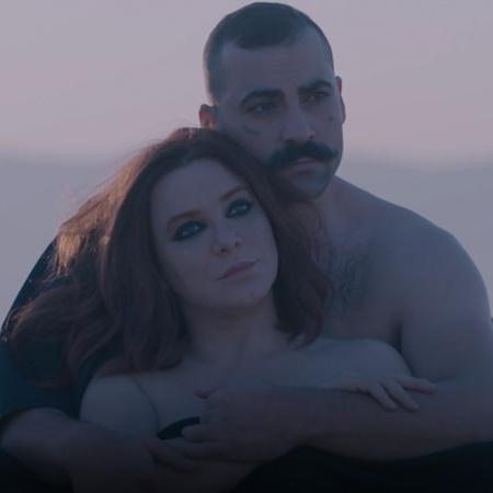 مراد يتزوج من ميرامار، وينوي الفرار إلى بغداد هل ينجح؟