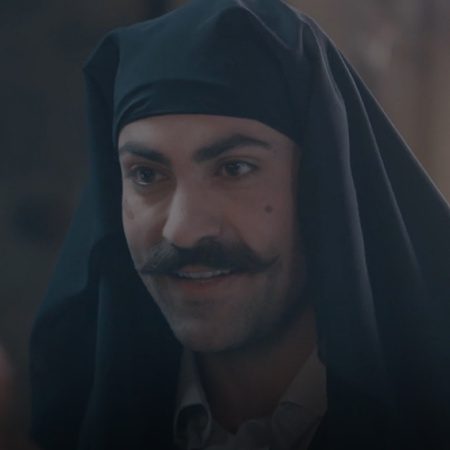 Samaher visits her mother and gives her money, and Murad disguises him