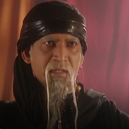 الساحر جعفر يستطيع السيطرة على الجني الازرق ويأمره بقتل علاء الدين