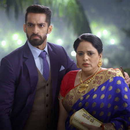 Shaurya offers more help to Mehak and her family. Shoitlana prepares a