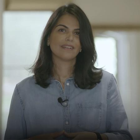 المبدعة زهرة عبدالله تستضيف الشيف ليلى لتبهرها في مهارتها السريعة بالط
