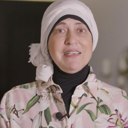 الشيف سلام دقاق تبهر الشيف ليلى بأكلة فلسطينية وهي القدرة