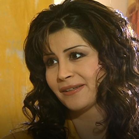 نادية تقع في حب حكم من أول نظرة , ما الذي سيحدث حينما تلتقي به صديقتها