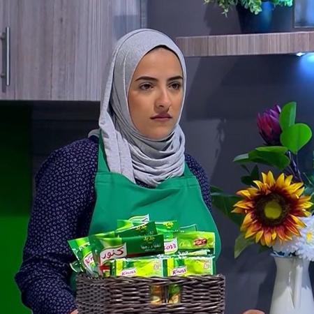 ست النكهات برنامج مسابقات للطهي. تتنافس فيه 30 سيدة على خمسة مراحل مخت