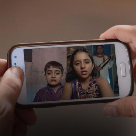 بادي أما و بونام وحدهما يعلمان بسر رجوع أطفال ساتيش الى المنزل
