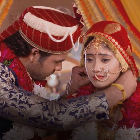 لاكان يحضر مراسم الزفاف كلها في يوم واحد، فهل تسمح له عائلة ثاكور بإتم