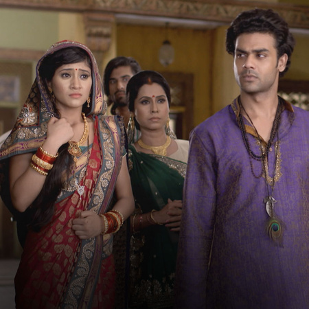 The whole Thakur's family will see how Lakan is torturing Ponam