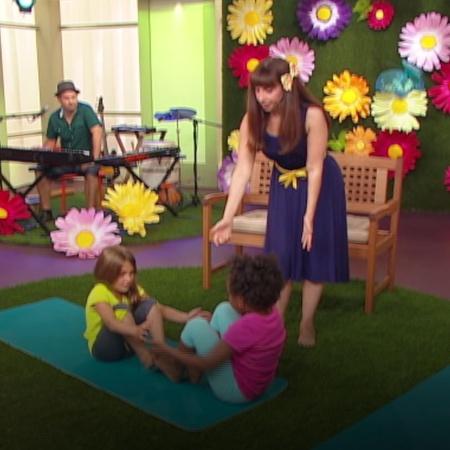 سوف تساعدنا لعبة اليوغا بالوزا على مشاركة الأطفال رحلتهم إلى الغابة لإ