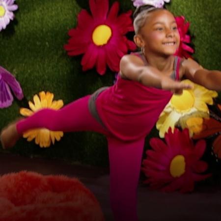 في هذه الحلقة سوف نلاحظ الأطفال في حركة دائمة تشبه حركة الريح.