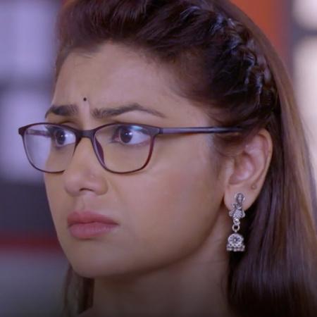 Abhi goes to prison to defend Prachi but will he meet Pragya?